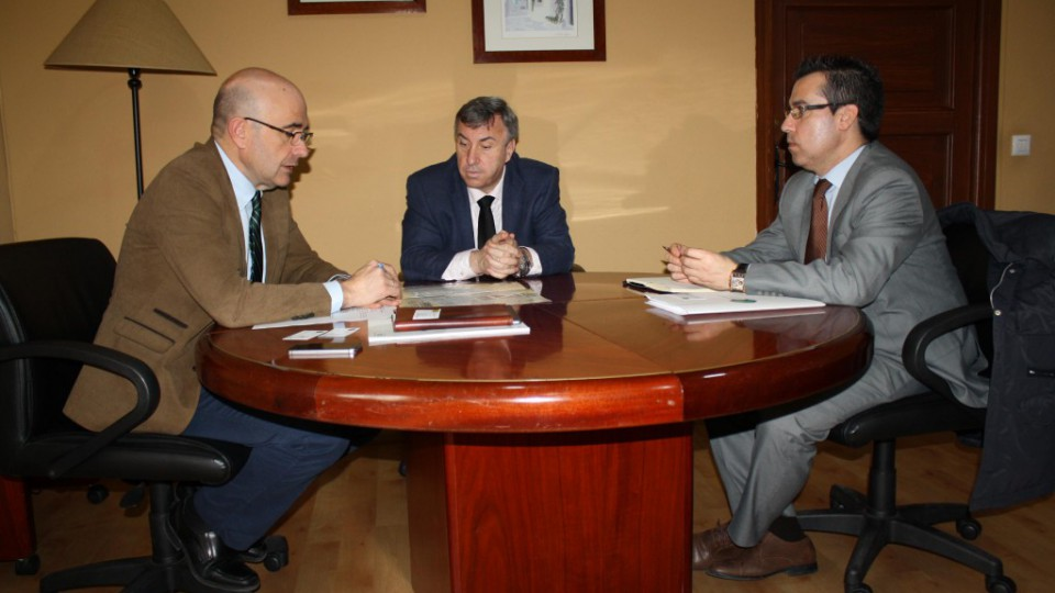 Reunión con el delegado de Empleo de la Junta de Andalucía.